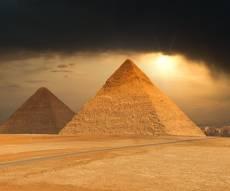 אילון מאסק, הפירמידות במצרים