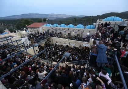 """המונים בציון הרשב""""י - ל""""ג בעומר במירון; היערכות לחצי מיליון איש"""