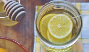 מים חמים עם לימון - כל בוקר