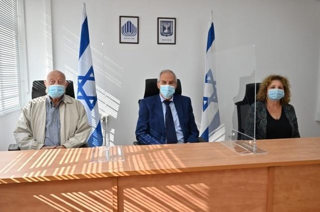 חברי הוועדה שהתפטרו