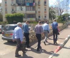 צוות מיסיונרים ברחובות קרית מלאכי. - קמפיין  נרחב של כת 'עדי השם' בכל הארץ