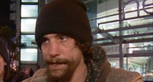 כריסטופר באחד הראיונות אחר הפיגוע - גנב מקרבנות הפיגוע ונידון ל-4 שנות מאסר