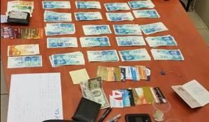 תייר ממקסיקו זייף כרטיסי אשראי ונתפס