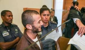 אבו עראם, אחד המחבלים, בבית המשפט - הורשעו שלושה מחבלים שדקרו באכזריות