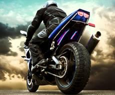 רוכב האופנוע נדרס וקם על רגליו. צפו בווידאו