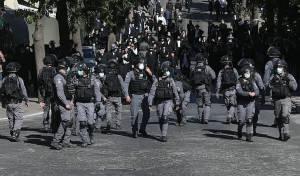 כוחות משטרה בכיכר השבת, ביום ראשון