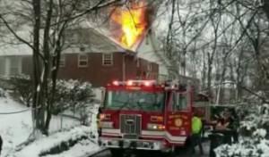 צפו: ביתו של בכיר בנטורי קרתא עלה באש