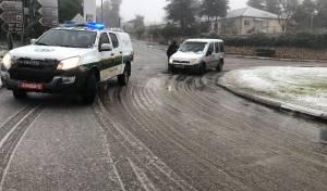 שלג החל ליד צפת: המשטרה סגרה כבישים