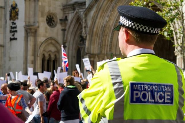 הפגנה בלונדון נגד אנטישמיות