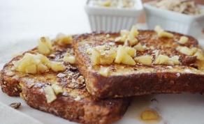 מתכון לפרנץ' טוסט מושחת עם בננות מקורמלות