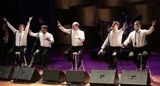 מועצת השירה היהודית הכינה, לוין הקדים