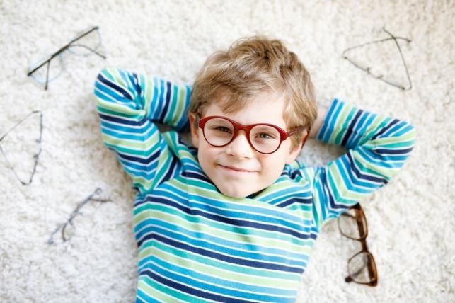 משקפיים חדשים לפסח. אילוסטרציה