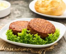 """""""סטייק"""" טבעוני - צרפת: אושר חוק שמגביל את המסעדות הטבעוניות"""