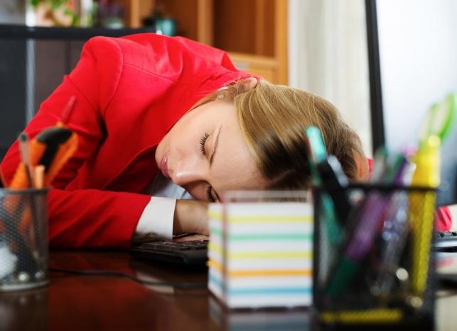 לא רק לעצלנים, מותר לנמנם גם בעבודה. מנוחת צהריים