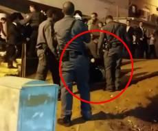 אלימות השוטרים בהפגנה בבני ברק • צפו