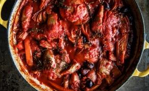 עוף רומאי - פרגיות ברוטב עגבניות ופלפלים עשיר - לכבוד שבת: פרגיות בסגנון רומאי עשיר ומיוחד