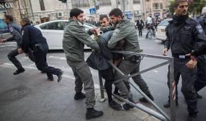 הפגנה סוערת נגד הגיוס. ארכיון