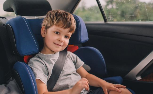 הגאדג'ט שכל הורה צריך כדי לחלץ את ילדו ממושב הבטיחות