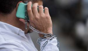 3 דרכים לעצור את ההתמכרות לטלפון הנייד