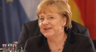 """אנגלה מרקל קנצלרית גרמניה - מרקל לארגנטינה וברזיל: """"פתחו את השווקים"""""""