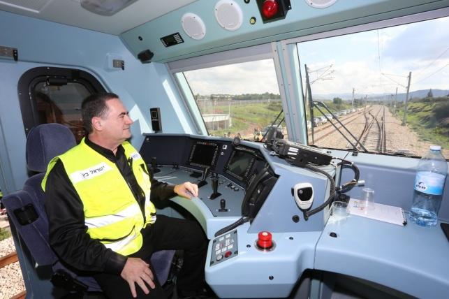 שר התחבורה ב'נסיעת המבחן' - 'מסילות דוד המלך': הרכבת לי-ם יצאה לדרך