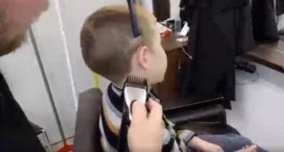 חייב להסתפר? כך תעשה זאת בעצמך • צפו