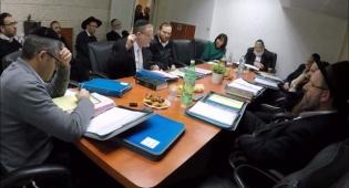 ישיבת המועצה בטלז סטון