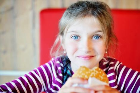 מה מורחים על הלחם? שאלה טובה - 2 מתכונים לממרחים מנצחים לסנדוויץ' של ארוחת עשר