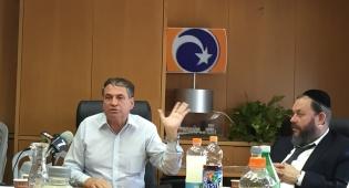 במפגש כתבים, עוזי דיין ויעקב גוטרמן - מפעל הפיס השקיע 850 מיליון שקל ברשויות החרדיות
