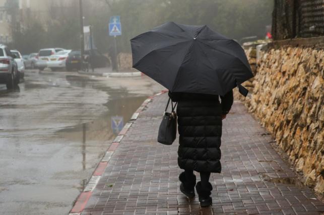 תחזית: שבת גשומה וקרה, שלג בהרי בצפון