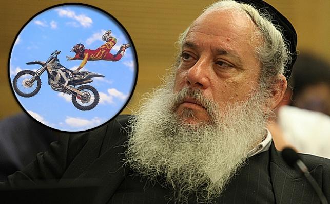 חנוך זייברט ומירוץ אופנועים (אילוסטרציה)