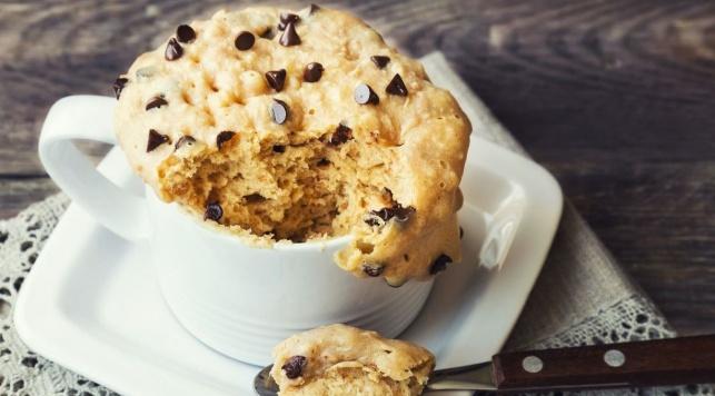 בשבע דקות: עוגיית שוקולד צ'יפס בספל אישי