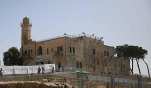 היום ומחר: אלפים בהילולת שמואל הנביא