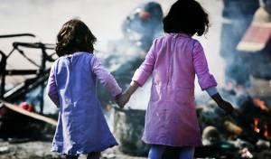 אילוסטרציה. למצולמות אין קשר לנאמר בכתבה - בית הספר מזהיר את ההורים: 'סכנה לילדות'