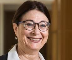 נשיאת העליון השופטת אסתר חיות. ארכיון - השופטים בישראל ישרים ונקיים. תהיו גאים בהם