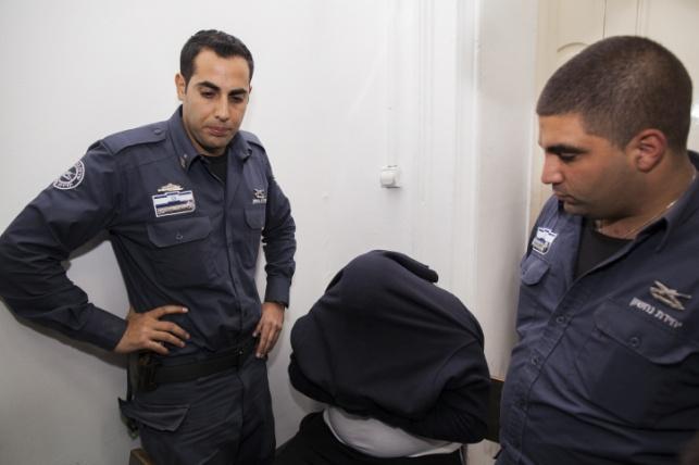 """ב""""ב: צעירים נעצרו בחשד לסחיטה"""