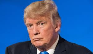 הנשיא טראמפ, ארכיון - טראמפ יגיע לחנוכת השגרירות - עם פולארד
