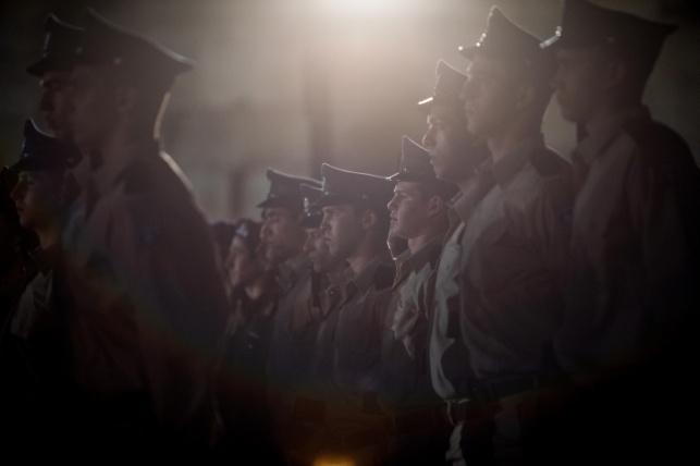 חיילים עומדים בצפירה