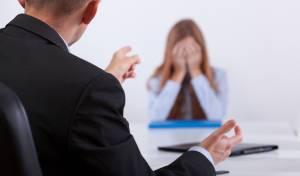 למה נשים בוכות במקום העבודה