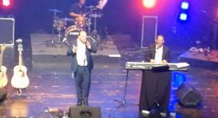אהרן רזאל אירח את אלי פרידמן - צפו בדואט