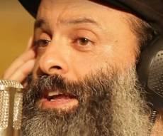 """""""האבן יצאה"""": הנס הגלוי של הזמר ירון בר"""