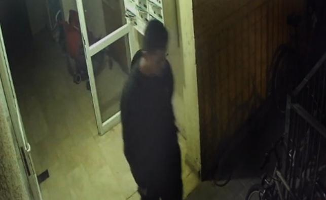 צפו: גנב האופניים שמסעיר את תושבי אלעד