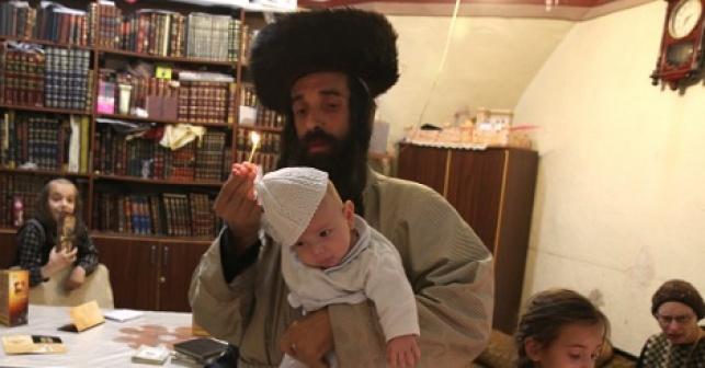 קרויס עם תינוקו
