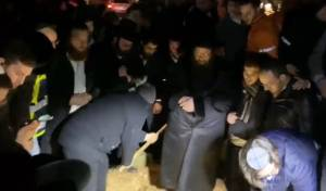 """ישראל אלמסי יו""""ר ידידים מספיד, והשירה בעת הקבורה"""