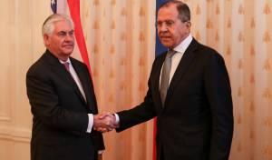 """טילרסון ולברוב הערב - טילרסון: """"יחסי ארה""""ב רוסיה בנקודת שפל"""""""