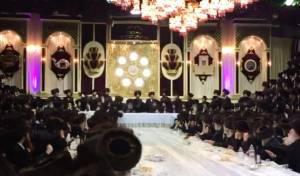 צפו: שמחת בית השואבה בסוכה של באבוב