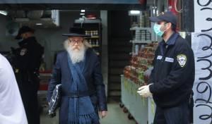 תיעוד: כך פעלו השוטרים לסגירת החנויות