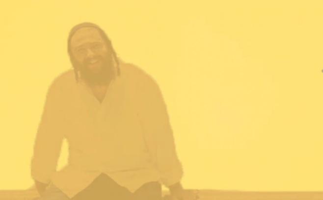 """משה סטורך מרגש בסינגל חדש: """"הו השם"""""""