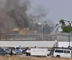 עדכון על מצבם של הפצועים - אסיר הצית מזרן בכלא; חבריו נפצעו קשה