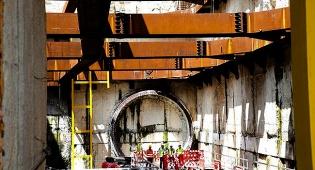כך עובדת מכונת החפירה - תיעוד מתחת לאדמה: כך חופרים את הרכבת הקלה בגוש דן